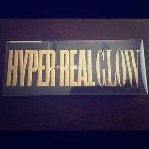 New MAC Hyper Real Glow Pallet